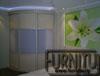Встроенный радиусный шкаф купе цвет слоновая кость с тремя раздвижными дверьми с феолетовыми вставками которые делят дверь,великолепно подойдет для спальной комнаты и гостинной